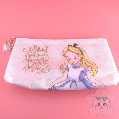Trousse Alice Au Pays Des Merveilles A Weird And Wacky Wonderland Disney Japon